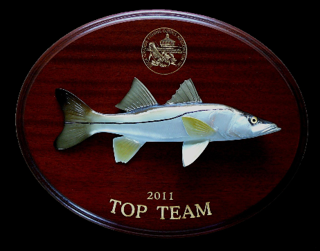 "14"" Snook on a Mahogany Plaque with Gold Laser Engraving"